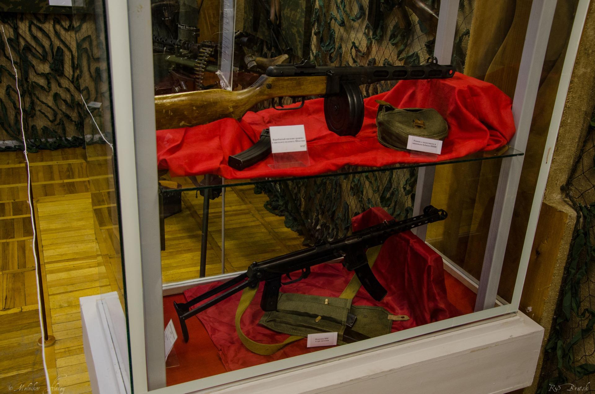 ППШ (пистолет-пулемет Шпагина) и ППС (пистолет-пулемет Судаева)